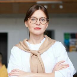 medium business woman